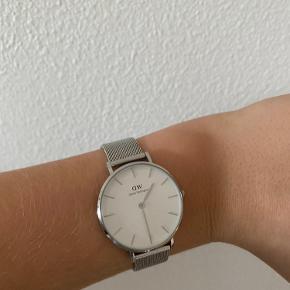 Næsten helt nyt Daniel Wellington ur. Brugt meget få gange