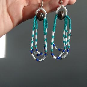 Vintage perle hængeøreringe. Bytter ikke. Husk at tjekke resten af mine annoncer. Rydder godt ud.