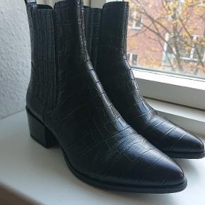 Klassisk Vagabond marja støvler. Prøvet ude en gang. Helt som nye, findes stadig i butikkerne.