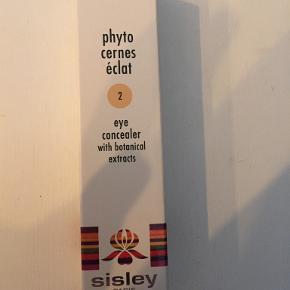 Helt ny og ubrudt Sisley EYE CONCEALER (Phyto cernes éclat) farve no 2. Købt i Matas til 660kr.