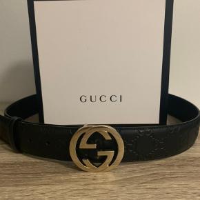 Gucci bælte  Str: 90   Ny pris 2.2k  Alt og haves  Sælges da jeg ikke bruger det mere