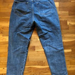 Jeans fra Zara. Stortset ikke brugt.