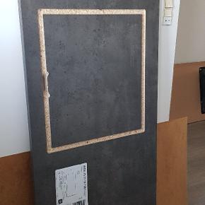 Bordpladen er ny. Har aldrig været i brug!  Bordpladen er gråsort betonmønstret og har flotte kanter.  Bordplade (til kogeplade): Længde: 145 cm Bredde: 62,5 cm Tykkelse: 3 cm  Kan afhentes i Randers NØ  BYD GERNE