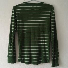 Grøn bluse m. hvide striber, str. S/36-38