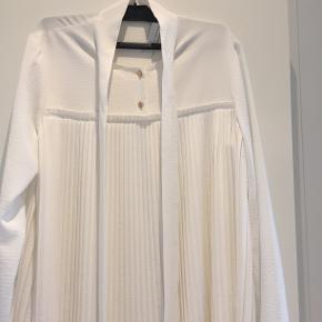 Smuk, smuk bluse fra Claes Iversen. Brugt en enkelt gang. Bytter ikke.