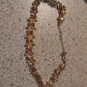 Super fin halskæde, har næsten aldrig været brugt.