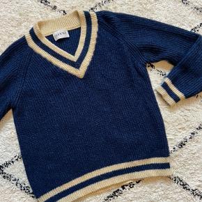 Strik fra Ganni str. M. Sælges da den desværre er købt for lille i sin tid. Modellen hedder Ballet Knit.