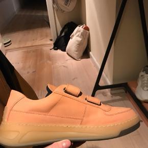 Næsten helt nye acne fw19 sample sko  Kom gerne med bud