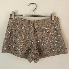 Lækre shorts med med pailetter fra Buch Copenhagen i str S