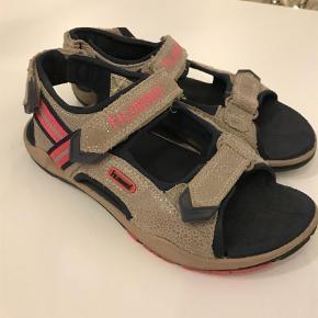 Varetype: Sandaler Farve: Pink,Sand  Brugt meget lidt mp 250kr pp