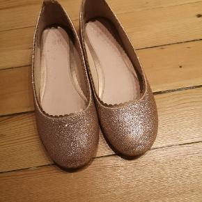Fine sko fra H&M, aldrig brugt.