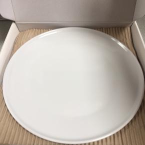 Helt nye, pizza tallerkner i hvid fra Imerco  4 stk