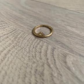 BYD lillefinger ring
