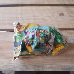 LEGO Duplo 10513. Det er i fin stand og er fra røg og dyre fri hjem. Det kan afhentes i 6700.
