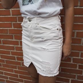 Hvid cowboy nederdel Brugt 1 gang  Str xs