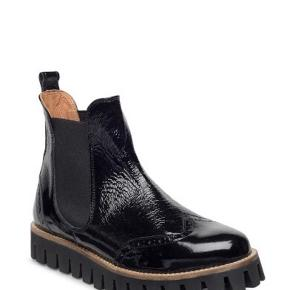Fine ganni støvler. Brugt - men fejler absolut intet :-)