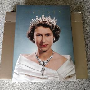 Coffee table book Taschen her majesty Helt ny