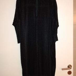 Oversize Monki kjole.