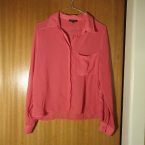 Smuk halv gennemsigtig skjorte fra Amisu, str. XS/S, brugt få gange.