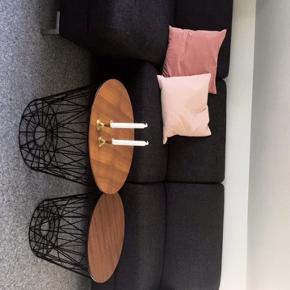 Retro look sofa, med bred chaiselong. 2,90 cm x 150 cm. Er åben for bud. 😊