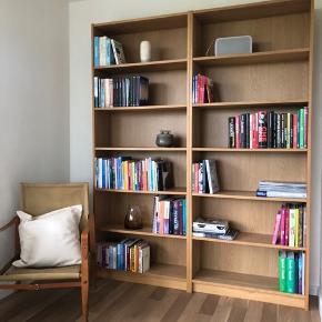 Reoler, egetræsfiner  Nypris 950,- Størrelse pr. reol: 80x28x202 Ikea