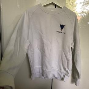 Sælger denne Hosbjerg trøje. Kan passes af en xs/s. Byd:)