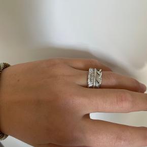 Designby Si ring