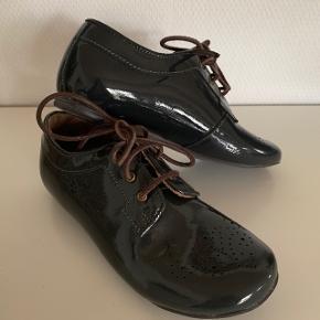 De lækreste sko fra Bisgaard. Har kun været brugt til et enkelt fotoshoot.