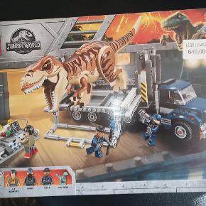 HELT NY LEGO ÆSKE JURASSIC WORLD MODEL 75933 HELT NY ALDRIG BLEVET ÅBNET SÆLGES FOR 400