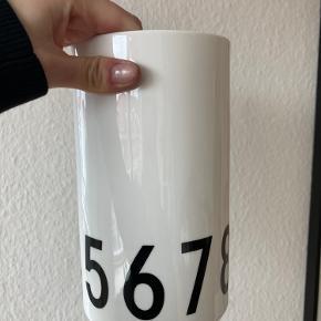 Design Letters vase