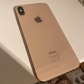 Jeg sælger min iPhone XS max i Gold, den har altid haft panserglas på og cover, der er enkelte brugsspor på kanterne som kan ses på billedet. Alt fungere som den skal, sælges da jeg vil købe en anden telefon. Min MP er 4000, men ellers kom med fair bud