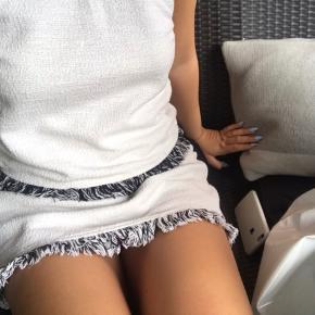 Flotteste sæt, med nederdele og trøje til 🖤