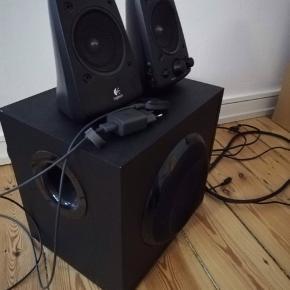 Logitech Z623 sælges inklusiv Chromecast Audio, som gør det nemt at spille musik via Bluetooth. Fungerer som det skal, men højttalerne er brugt, dog uden de store tegn på det.  Samlet nypris 1200kr Sælges for 600kr