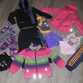Der er lidt af hvert, bla. joggintøj, vinter/obergangsjakke, badetøj og gymnastiktøj. Str. 98-104.