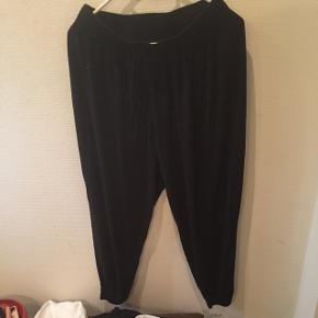 Hængerøvsbukser..haremsbukser..Lav din egen tøjpakke, 10 dele for 100kr, ellers er det nuværende pris der gælder