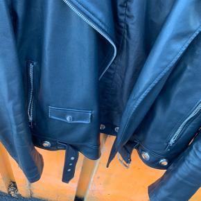 Fake læderjakke fra Zara i str. M 🤩