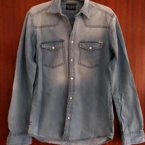 Jack & Jones lys denimskjorte med trykknapper str S
