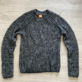 HUGO BOSS ORANGE sweater - 76% bomuld og 24% jomfru uld. Sindssyg lækker kvalitet og vildt behagelig - jeg går bare ikke nok med den på, fordi jeg får det for varmt i uld ;)