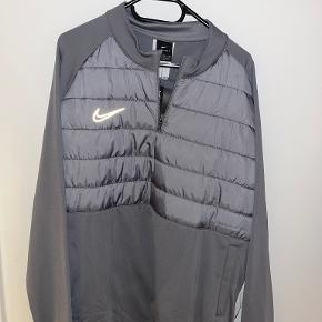 Nike sportsjakke
