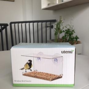 Helt ny, fugle foder kasse