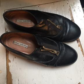Slidte, sorte sko med lynlås, fra & other stories