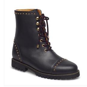 Helt nye støvler i læder. Stadig med mærke på. Mange flotte detaljer. Bytter ikke.