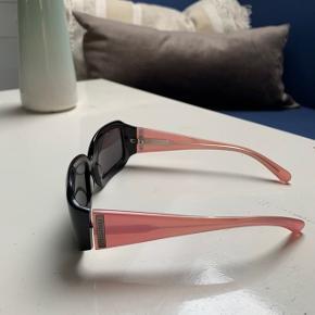 cool solbrille fra miumiu  Etui haves ikke længere