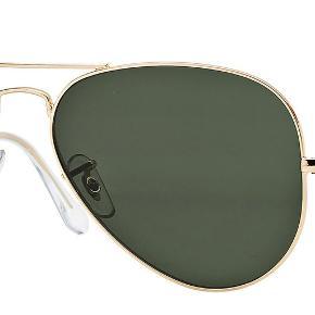 Rayban briller brugt få gange stængerne er nemme at justere ved en brillemand hvis man kunne have behov for det   byd endelig - sælges billigt