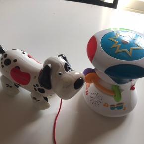 Hund med lys i de røde sider og spiller musik når man trykker den på næsen 75kr  Fisher-Price spiller musik og lyser når man trykker den på toppen 2 indstillinger 100kr  Køb begge 150kr