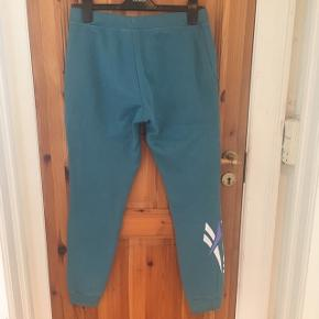 New price 339 kr. Washed two times. Nice pants.
