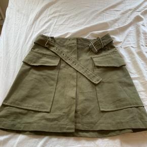 Mega rå og fed nederdel, brugt få gange