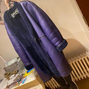 Vintage shearling coat i super flot stand 😍