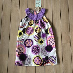 Super sød kjole fra Aya Naya str. 4 år Ny med prismærke. Købspris: 360,-