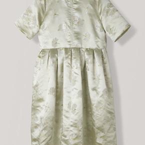 Smukkeste kjole, sjældent til salg. Str 40, passer en 38 og 40. Mp 1500 pp